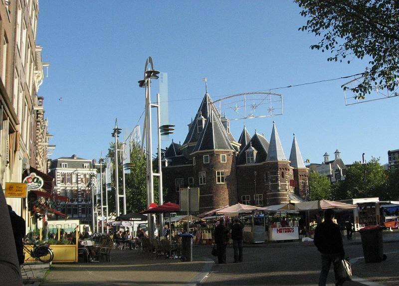 Nieuwmarkt zondagsmarkt Amsterdam